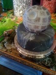 death_star_wedding_cake.jpg