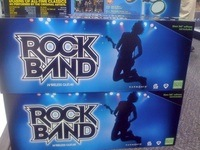 xbox_360_wireless_rockband_guitars.jpg